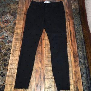 Like New Old Navy skinny jeans w/ black polka dots
